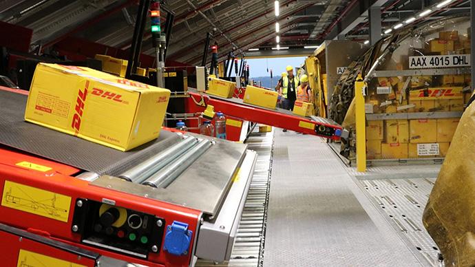 DHL continúa su estrategia de automatización. Implanta un escáner inteligente