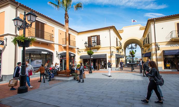 Ante los atascos, el Ayuntamiento de Málaga abrirá nueva vía de acceso al Plaza Mayor