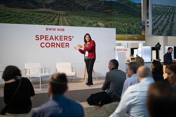 Coro Ramos en la presentación del mapa motivacional del consumidor del vino en España