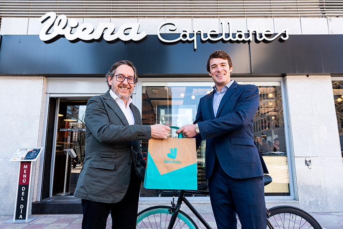 (De izq. a der) Antonio Lence, director de Viena Capellanes, y Álvaro Dexeus, director comercial de Deliveroo