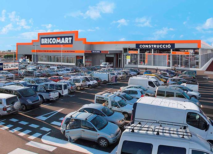 Bricomart busca 80 empleados para su primer almacén en Alicante