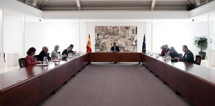 El presidente, Pedro Sánchez, ha anunciado un plan financiero que movilizará 200.000 millones de euros, el 20% del PIB español, para amortiguar el impacto social y empresarial de la crisis por el coronavirus.