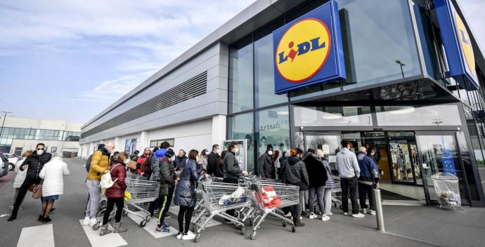 Sensalytics permite saber en tiempo real el número de personas que esperan en la cola de entrada a  un supermercado