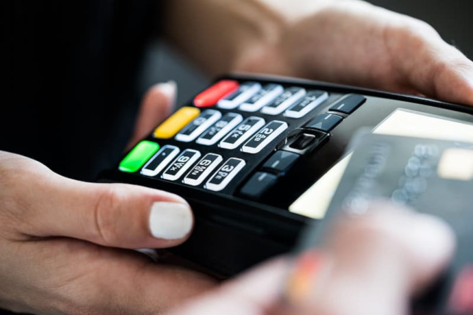 El pago con tarjeta desbanca al efectivo. Elegido por un 75 % de compradores