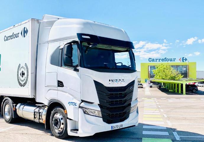 Carrefour suma una flota de 30 camiones propulsados con gas natural
