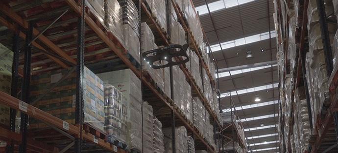 DHL incorporará drones autónomos para agilizar el inventario de sus almacenes