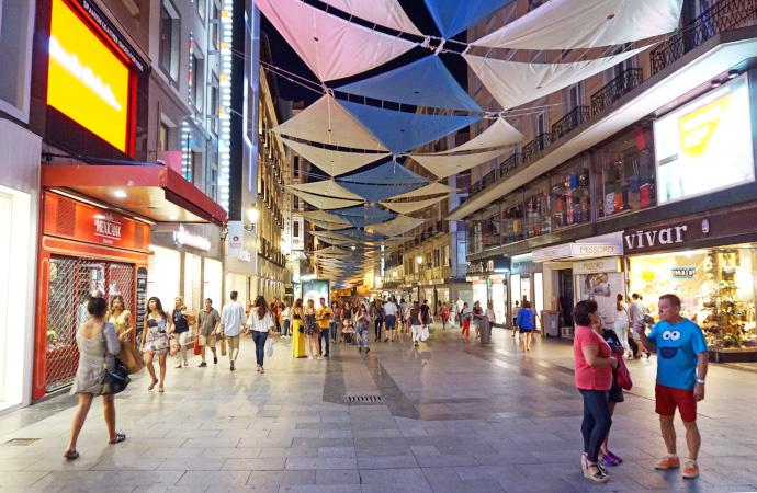 En la primera semana de junio, se registró un 86% de tiendas abiertas en calles comerciales que, sin embargo, con menos tráfico que en 2019