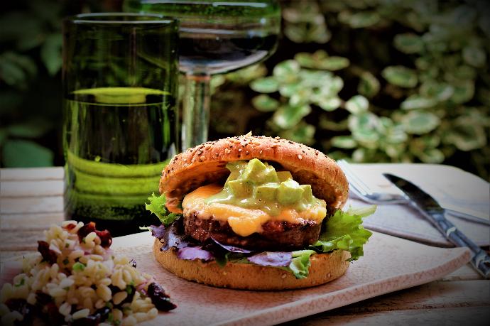 Campofrío lanza su hamburguesa vegana 'Magic Burger' para el sector Hostelero
