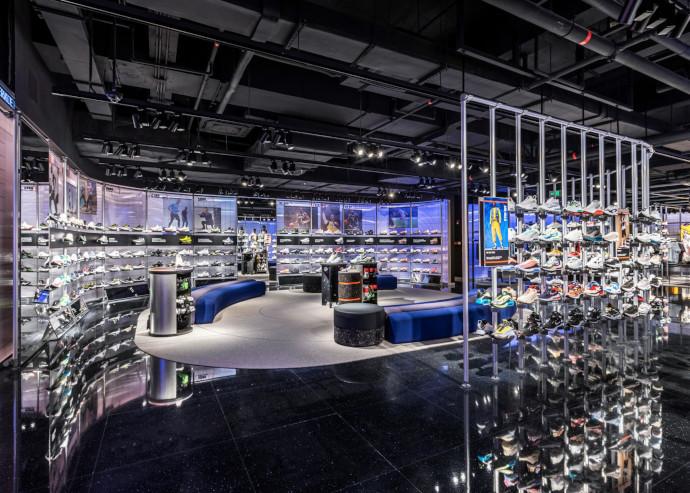 Nike inaugura un nuevo concepto de tienda, Nike Rise, basada en ofrecer una experiencia personalizada