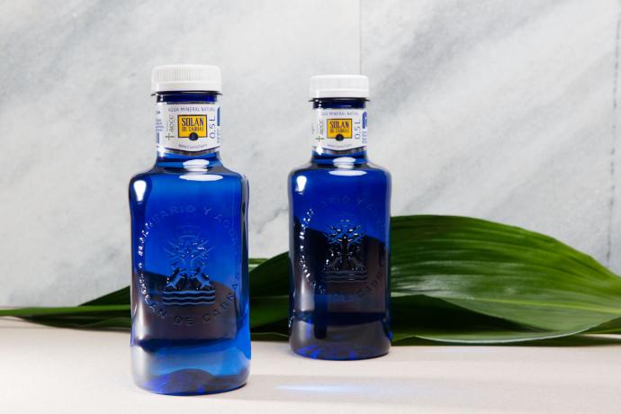 Solán de Cabras lanza su primera botella 100% plástico reciclado