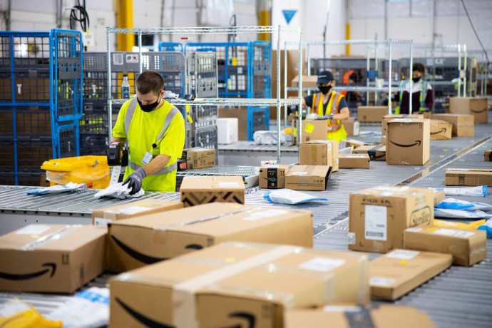 Amazon, en su tercer trimestre, logra que su beneficio escale a triple dígito