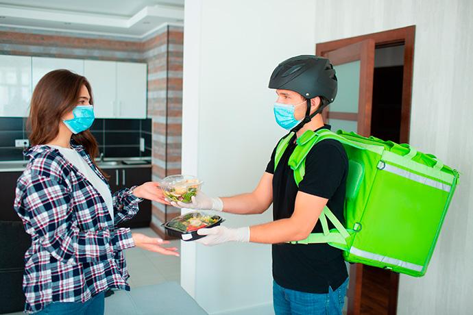 El 'delivery' salva 21.000 empleos hosteleros durante el confinamiento