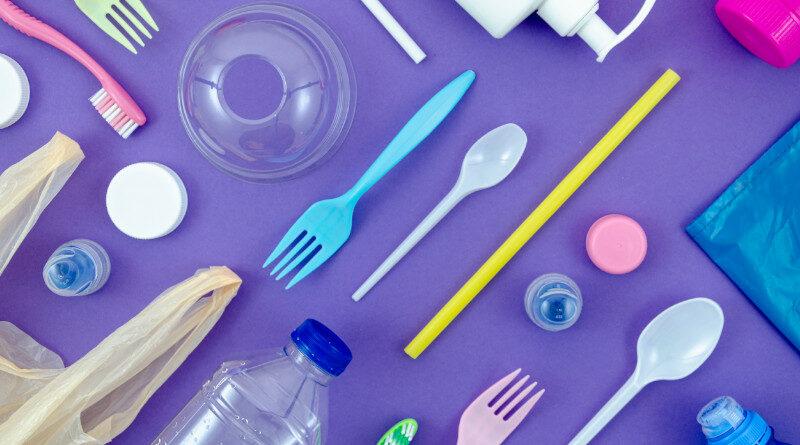 Amazon deja de vender productos de plástico de un solo uso