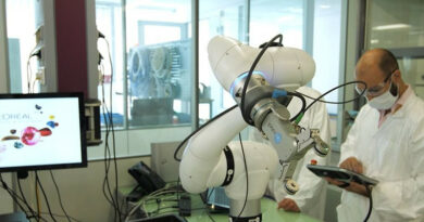 L'Oréal incorpora robótica colaborativa en sus centros de investigación capilar