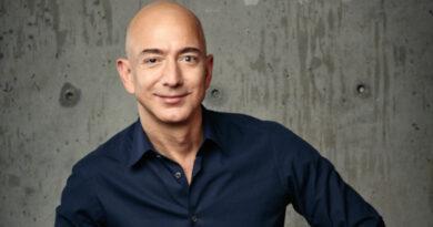 Jeff Bezos se retira como CEO de Amazon