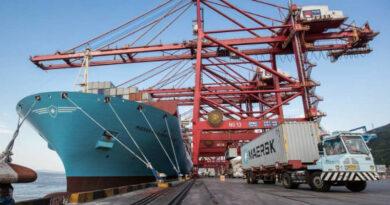 Maersk se adentra en logística integral con su primera nave en Barcelona