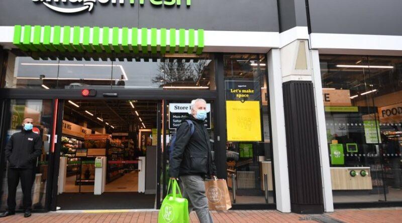 """Desafío omnicanal. Primer supermercado físico """"Amazon Fresh"""" en Europa"""