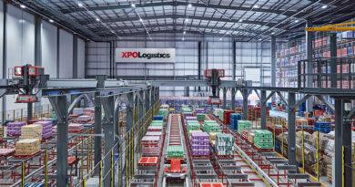 Nestlé inaugura en Reino Unido su primer centro de distribución digital
