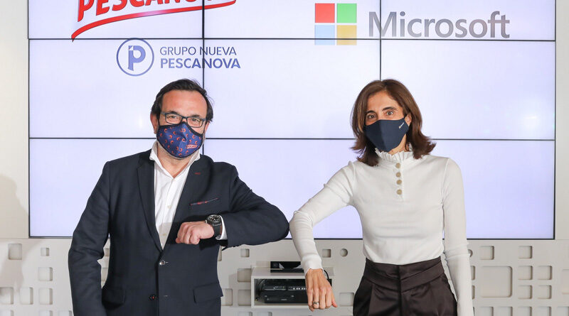 (De izq. a der) Ignacio González, CEO de Grupo Nueva Pescanova, y Pilar López, presidenta de Microsoft España