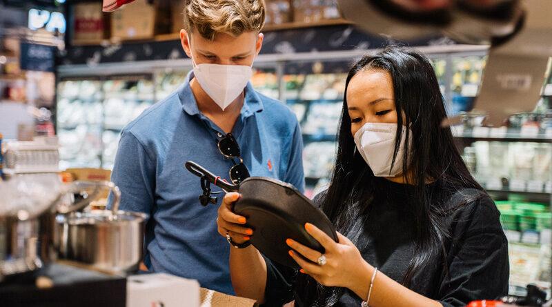 La confianza del consumidor crece, al percibir una mejora en su economía