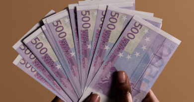 El Comercio rechaza limitar el pago en efectivo a 1.000 euros