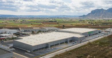 Mercadona construye un almacén de frescos en su bloque logístico de Alicante