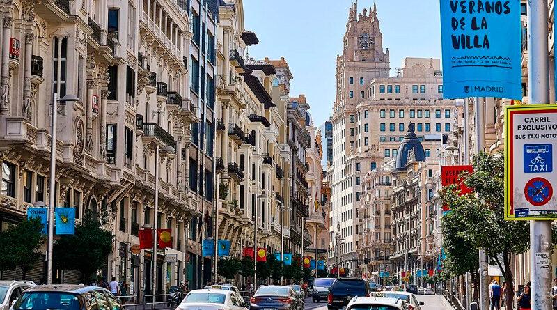 Las calles comerciales de Madrid, con menos transeúntes y consumo