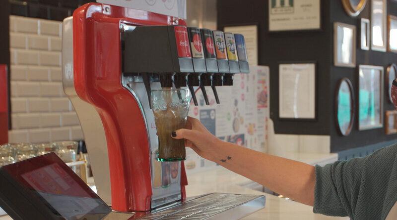 Coca-Cola implanta, con Restalia y Aspro, el autoservicio de bebidas